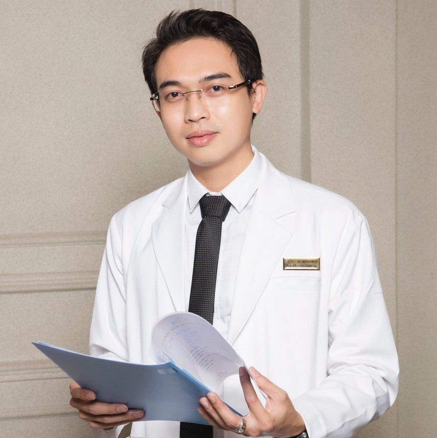 Interview du Dr. Pham Minh Truong, Dermatologue au vietnam